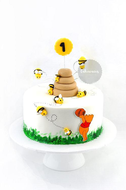 Pooh Bear Fondant Cake