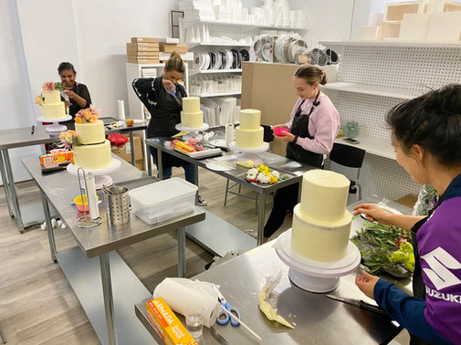 Two Tier Floral Drip Cake Class - May 2021d