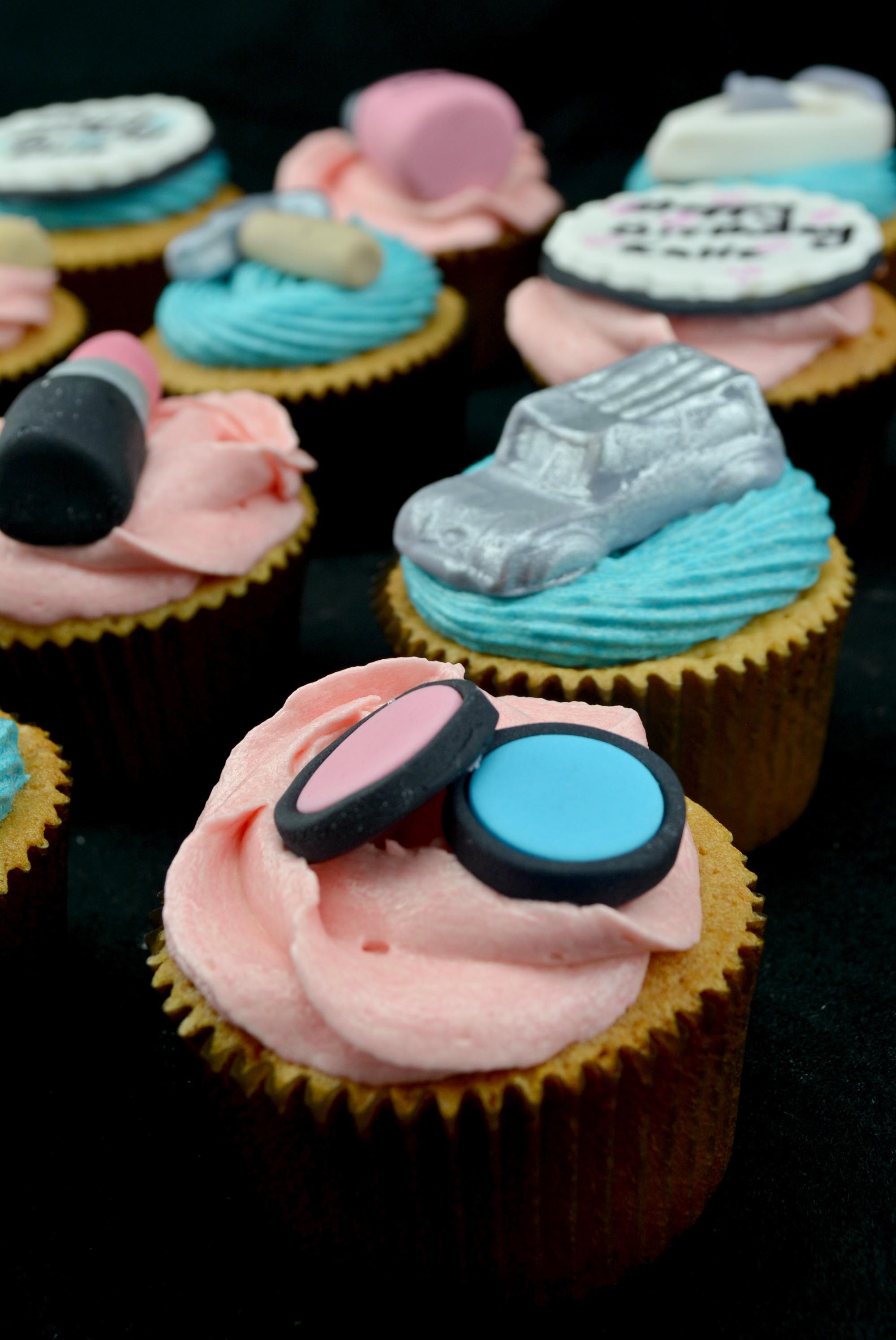 MakupSetCupcakes_cakewaves