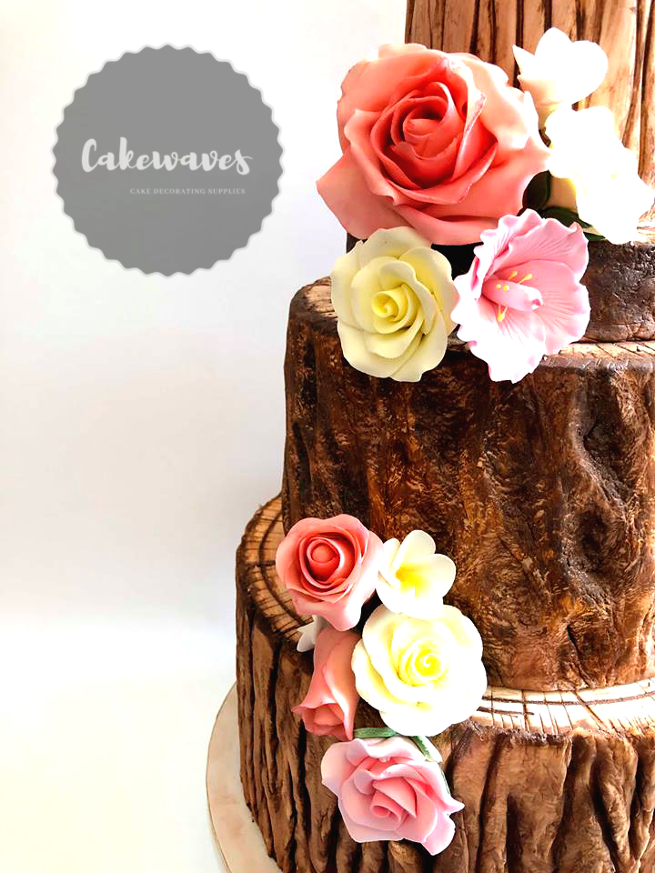Wood Trunck Wedding Cake Closer