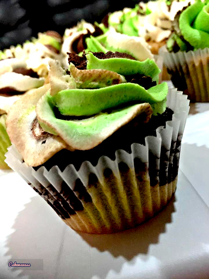 camaflouge cupcakes