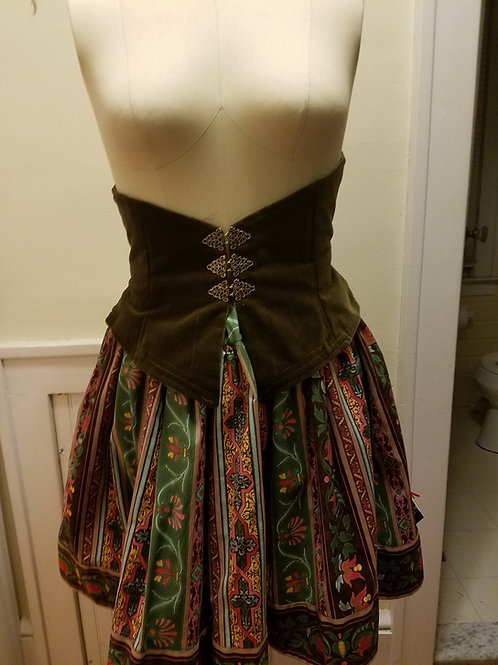 Babs Who Takes Pictures: Corseted Skirt