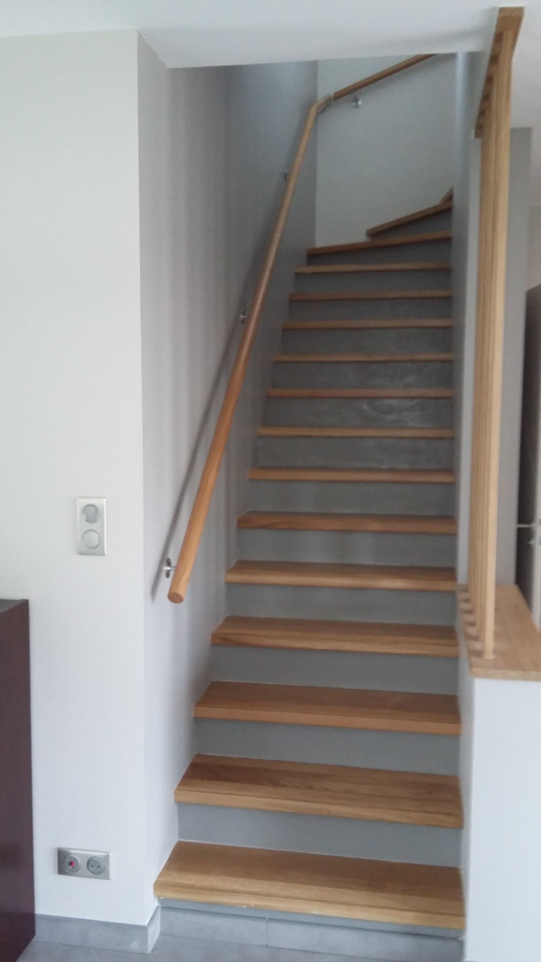 Escalier béton avec habillage des marches