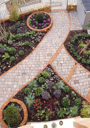 clovelly-front-garden-from-above-_textj