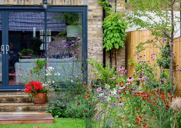 family-garden-left-border-jpg