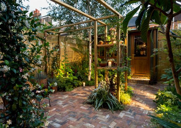 gallery-windermere-garden-at-night-wide