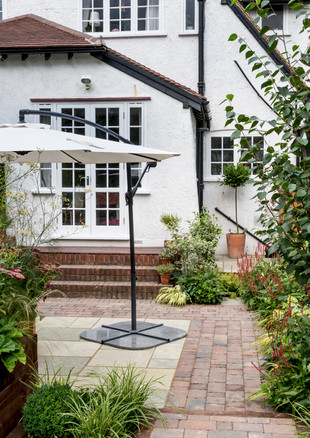 gallery-ludlow-road-from-lawn-to-house