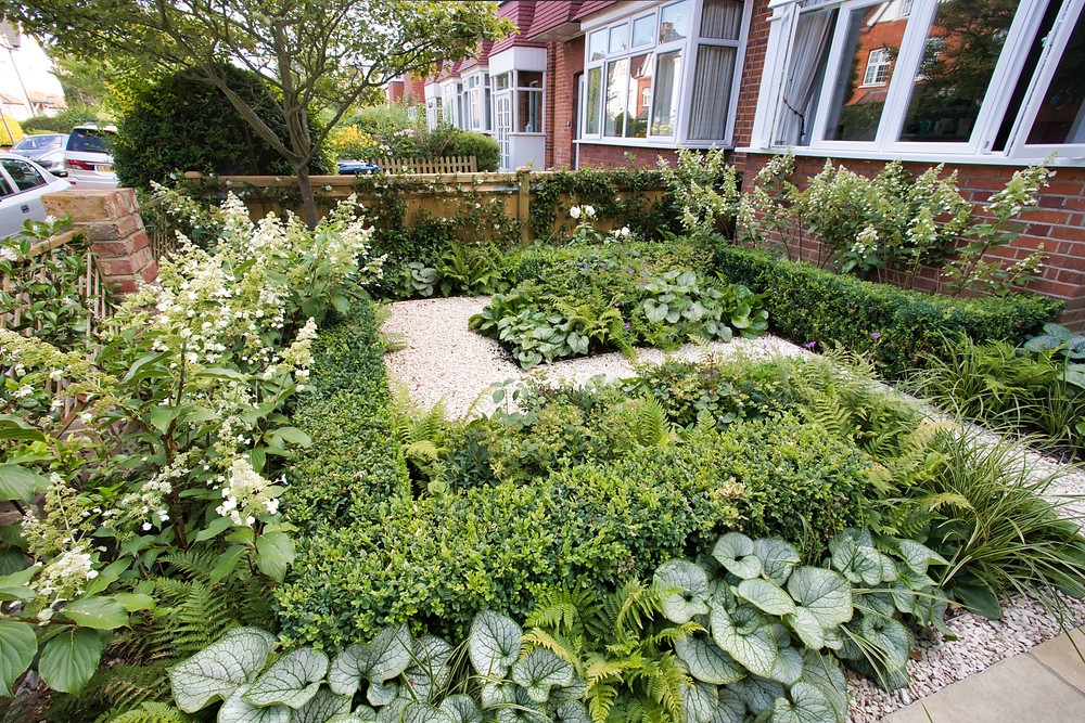 An East Facing Front Garden With A Classic And Contemporary Feel