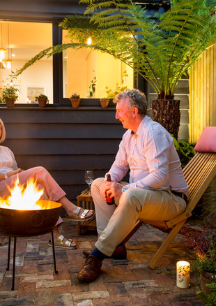 gallery-windermere-clients-at-fire-bowl