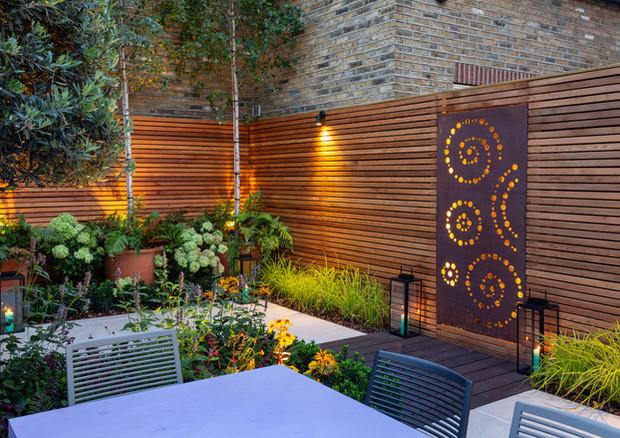 city-garden-acton-lane-at-night-screen