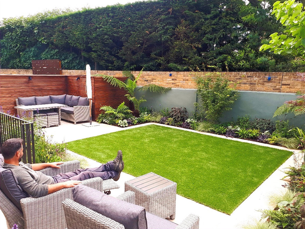 Wide London Townhouse Garden