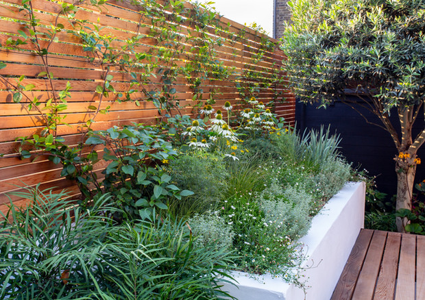 city-garden-acton-lane-close-up-raised