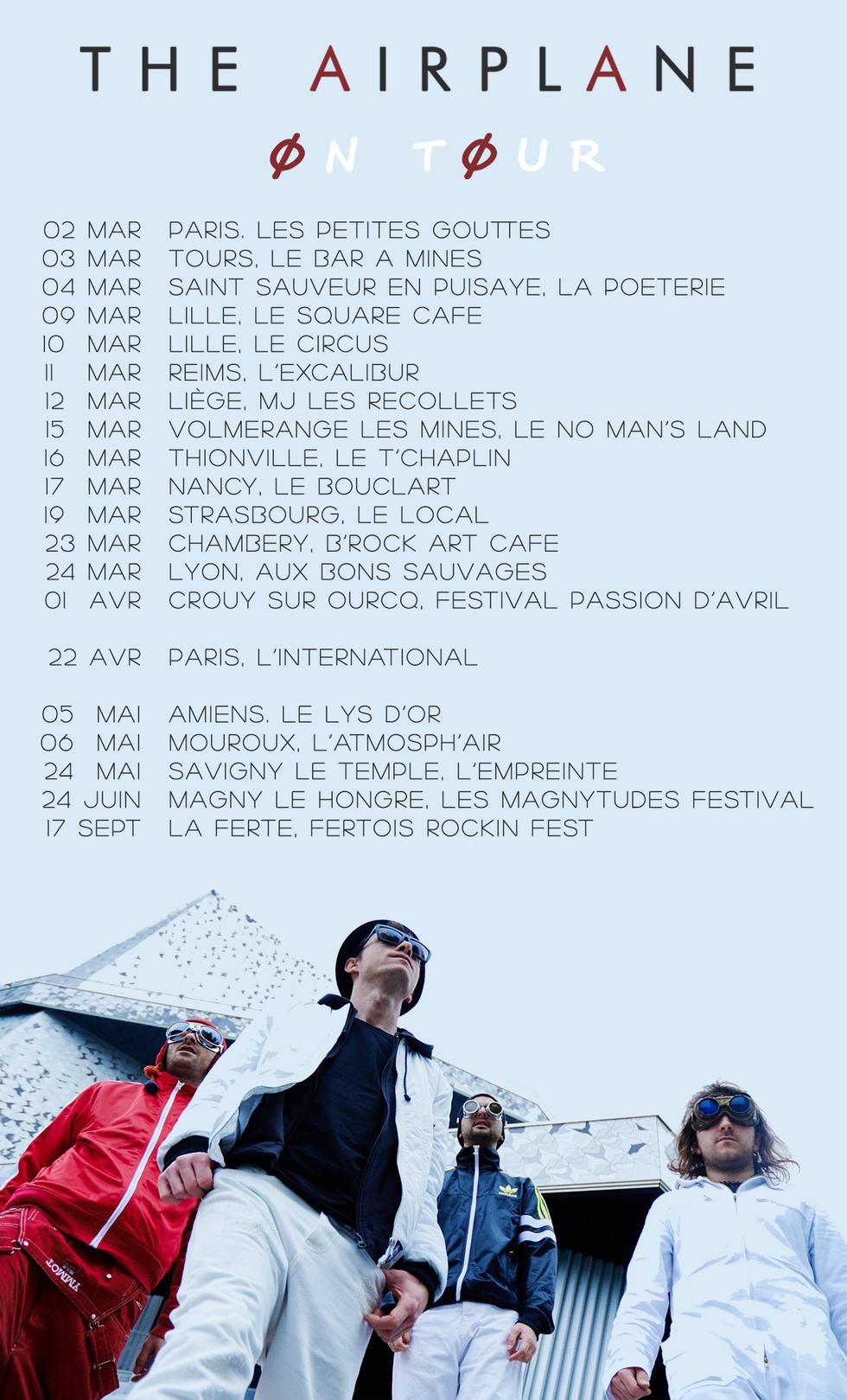 ON TOUR - EN TOURNEE