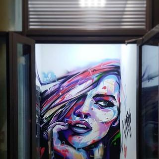 Граффити Девушка