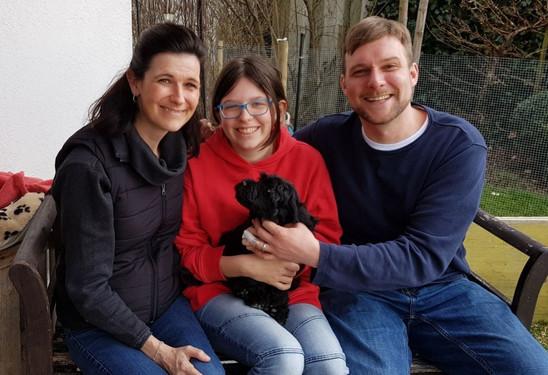 Agua-Aston mit seiner neuen Familie