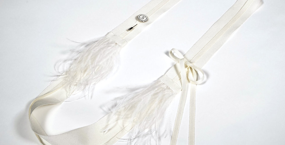 Grosgrain Necklace With Brooch & Feathers Ivory