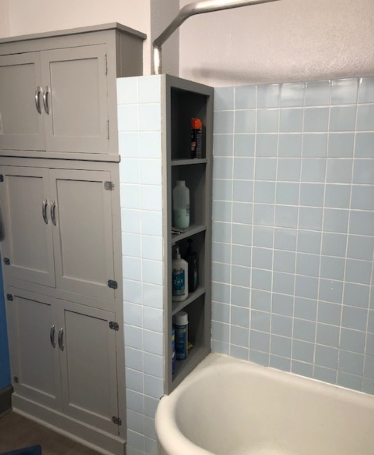 Bathroom 1 Renner (Medium).jpg