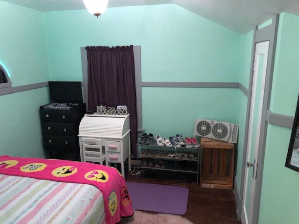 Bedroom 1 Renner (Medium).JPG