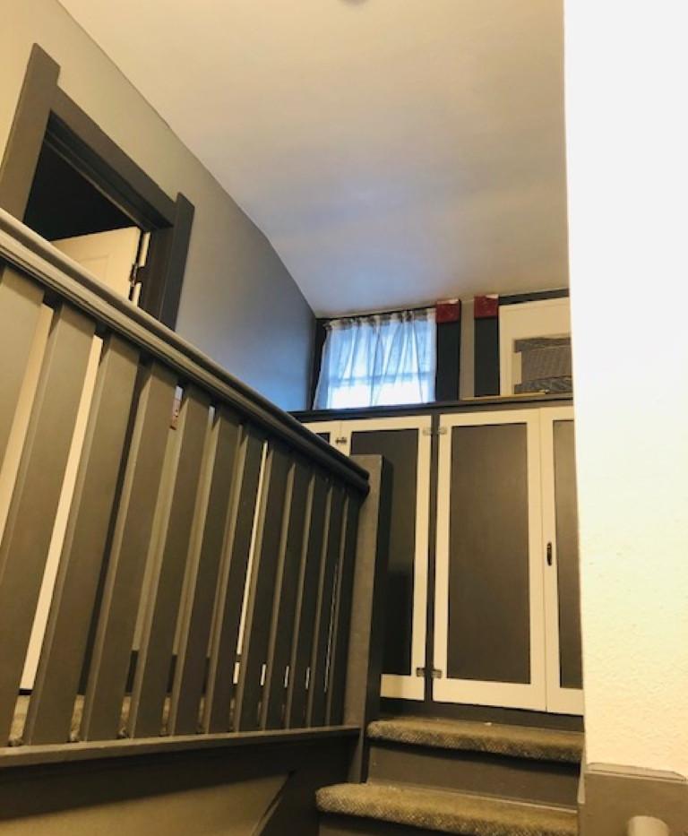 Stairway Top Renner (Medium).jpg