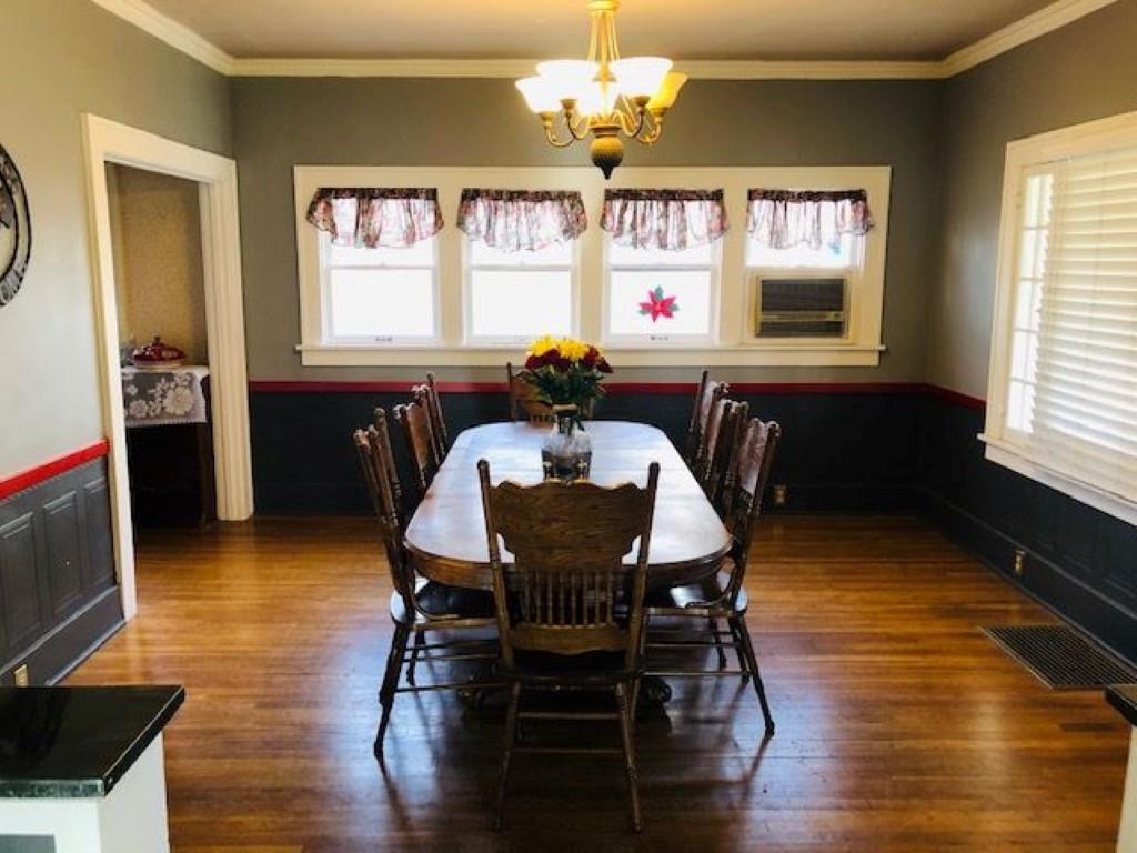 Dining room Renner (Medium).jpg