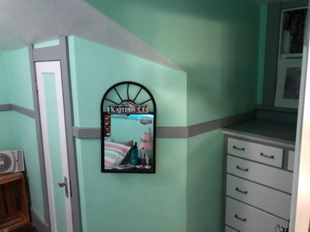 bedroom Renner (Medium).JPG