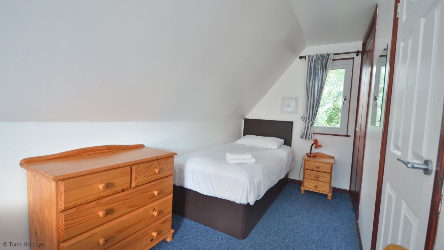 Kerrow Lodge - Upstairs Bedroom