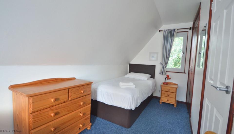 Kerrow Lodge - Upstairs Bedroom