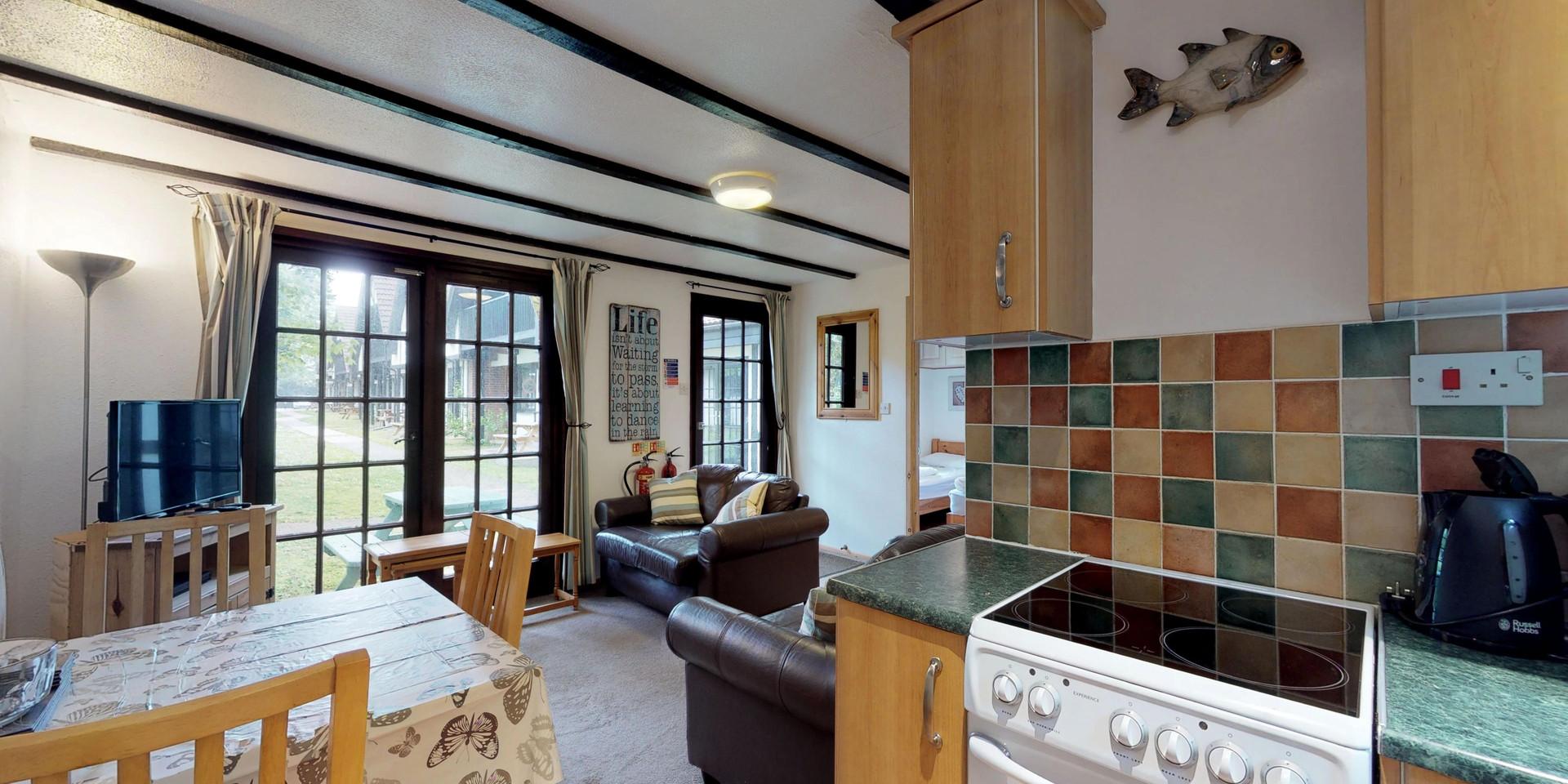 Treyarnon Lodge - Kitchen and Lounge
