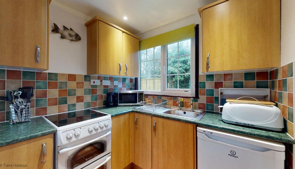 Treyarnon Lodge - Kitchen