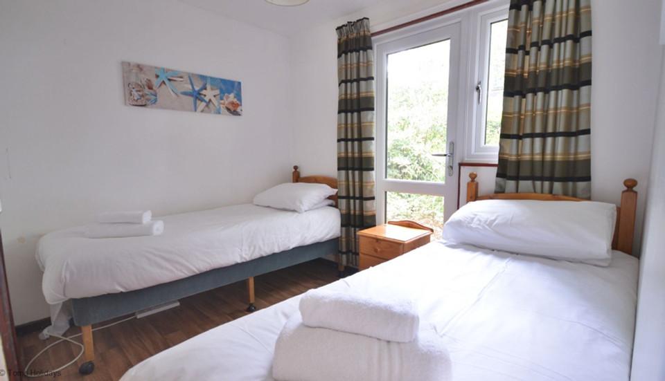 Kerrow Lodge - Downstairs Bedroom