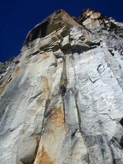 Hampaturi granit towers