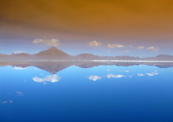 volcan Pabellon reflecting