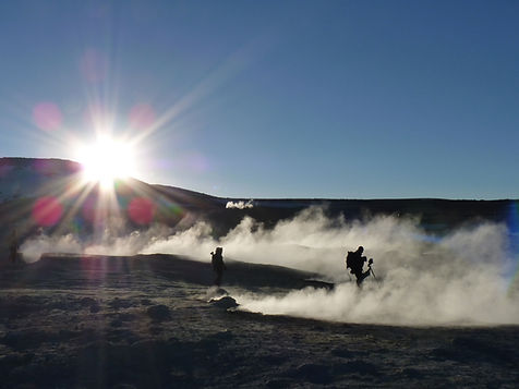 geyser field sol de mañana in bolivia