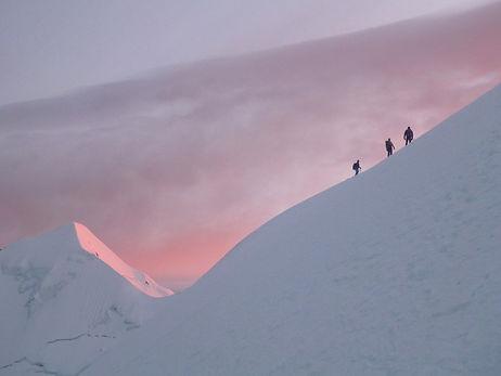 climbers in illimani mountain