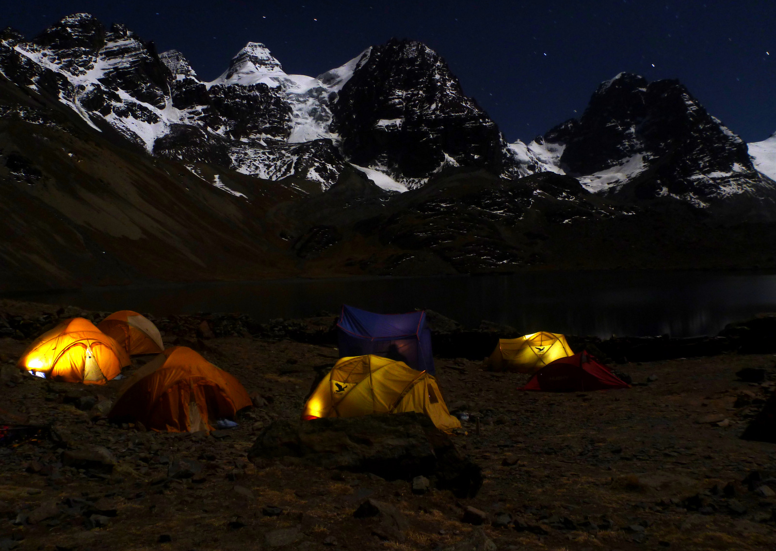 Base camp at laguna Chiarkhota