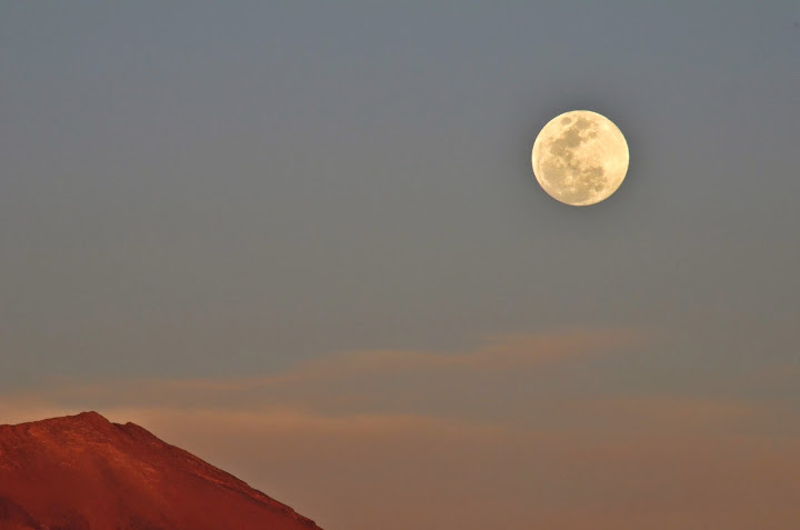 Vollmond in der Atacama Wüsste