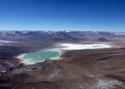 overview of laguna verde y blanca