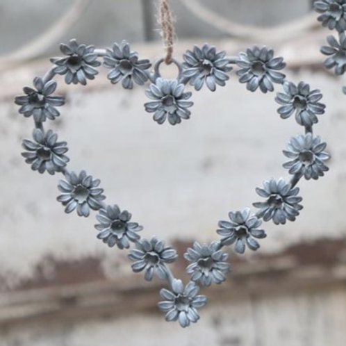 Chic Zinc Daisy Heart Wreath Decoration