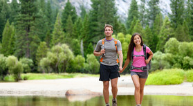 hiking-honeymoon-couple.jpg