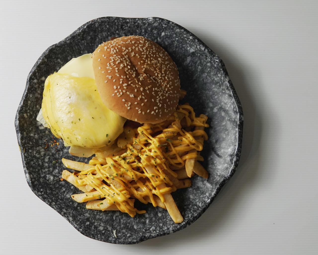 Truffle SoMuchCheese Burger (Deliveroo)1