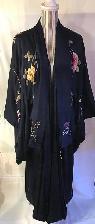 SOLD.Circa 1920 silk kimono