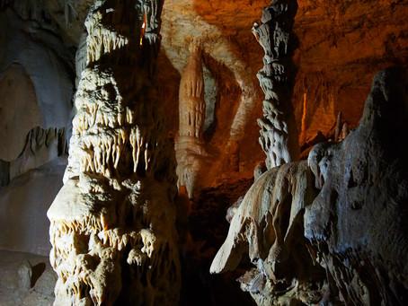 Крым. Мраморная пещера.