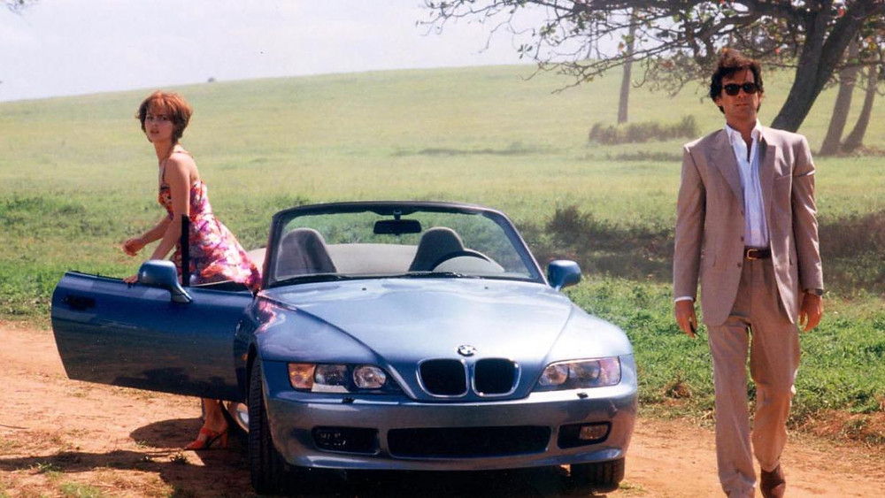 pierce_brosnan_bond_bmw_z3