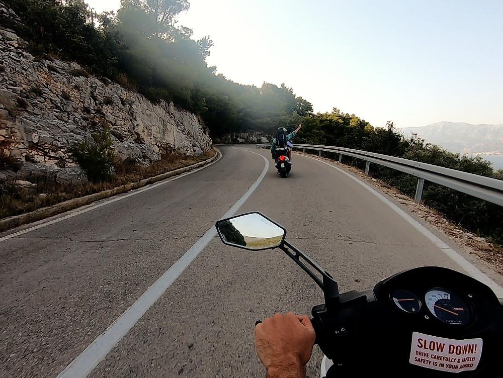 Foto el scooter desde Supetar