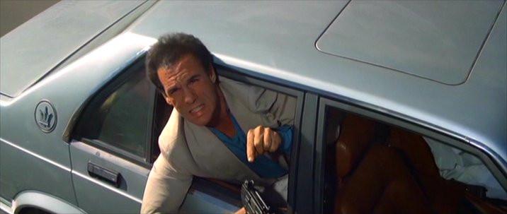 Maserati Biturbo 425i en la película licencia para matar | license to kill de James Bond