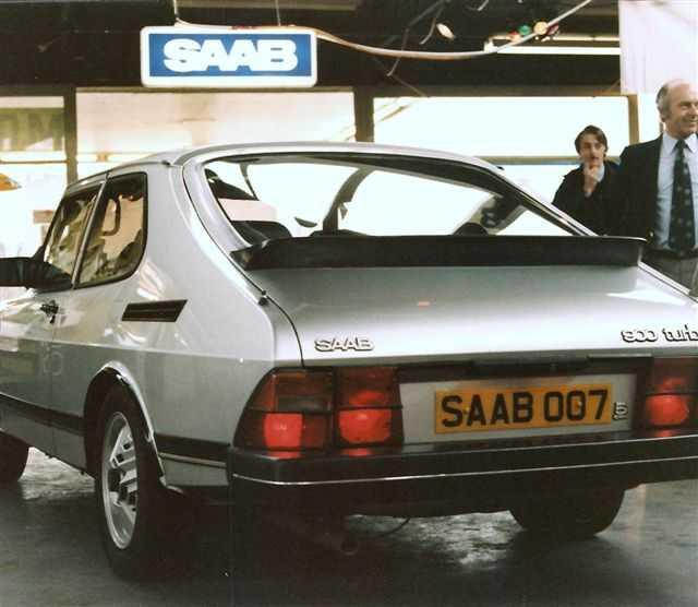 Saab 900 Turbo de la novela de James Bond Licencia renovada para matar