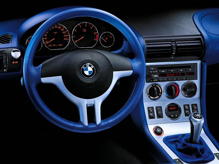 interior BMW Z3 Sport edition en cuero azul