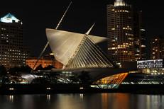 Milwaukee Art at night