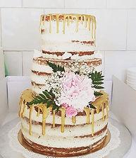 Nude cake #nudecake #nakedcake #weddingi
