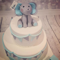 #firstbirthday #birthdaycake #cakedesign